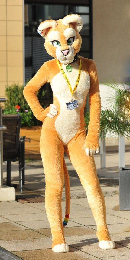 sofia_lioness_at_ef16_2_by_basil_lion-d2yuh8d